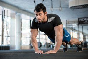 haciendo-ejercicios-para-adelgazar-brazos