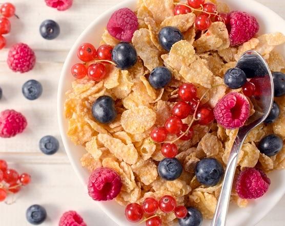 Comer alimentos ricos en fibra