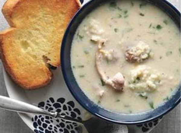 Sopa de pollo con cuscús